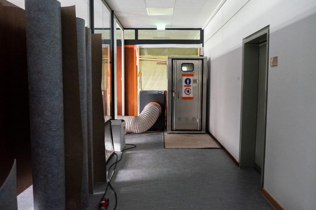 Asbestsanierung und Erneuerung des Bodenbelages im Vortragssaal und im Direktionsfoyer