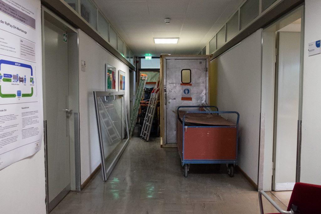 Fortsetzung der Asbestsanierung im Ostflügel der Bibliothek